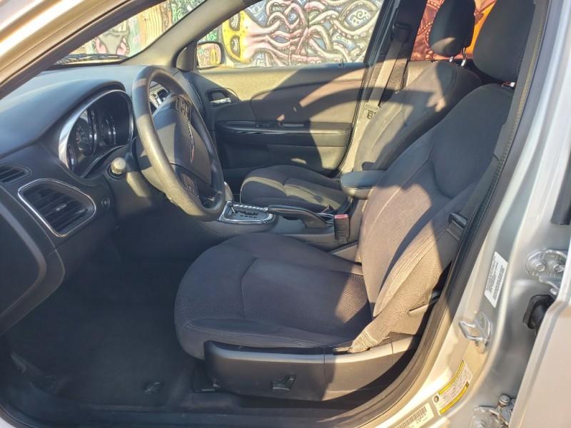 Chrysler 200 2012 price $5,000 Cash