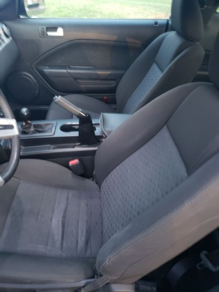 Ford Mustang 2005 price $10,000 Cash