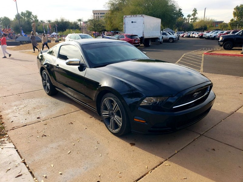 Ford Mustang 2013 price $12,899 Cash