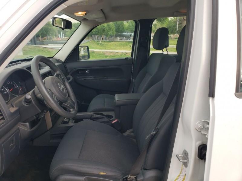 Jeep Liberty 2012 price $9,000 Cash
