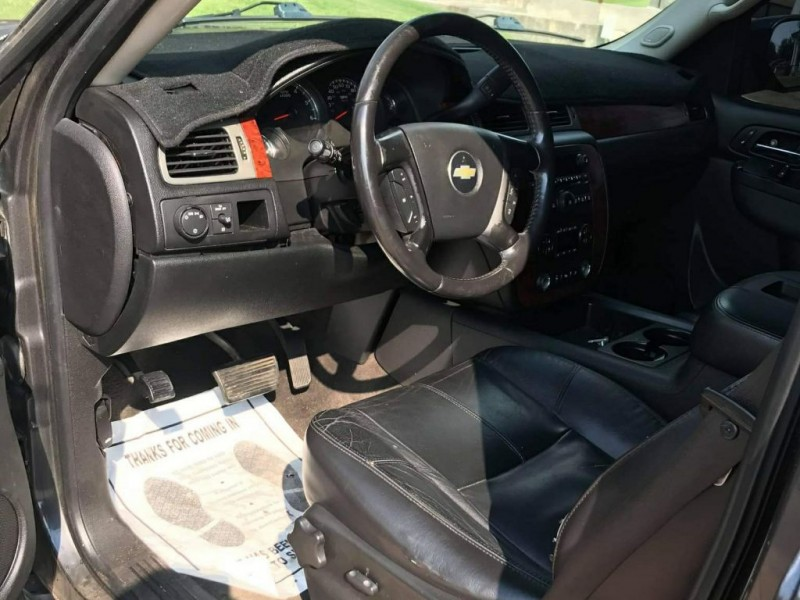 Chevrolet Tahoe 2010 price $16,000 Cash