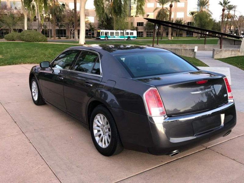 Chrysler 300 2013 price $9,500