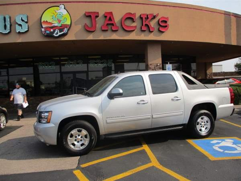 Chevrolet AVALANCHE 2010 price $2,400 Down