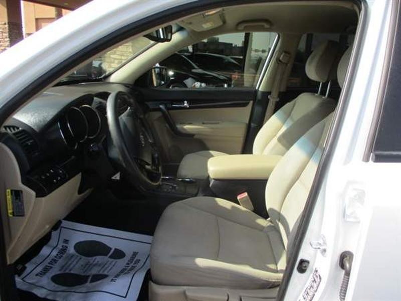 Kia SORENTO 2011 price $1,600 Down