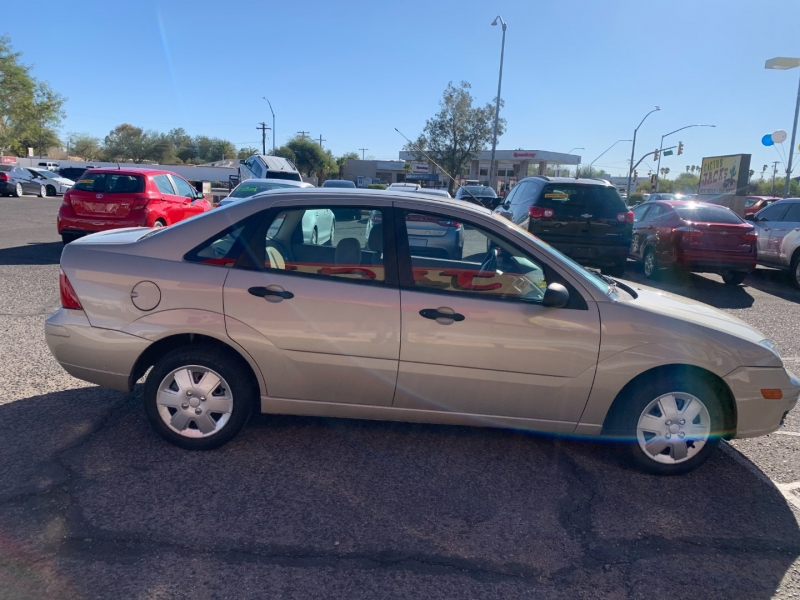 Ford Focus 2007 price $800 Down