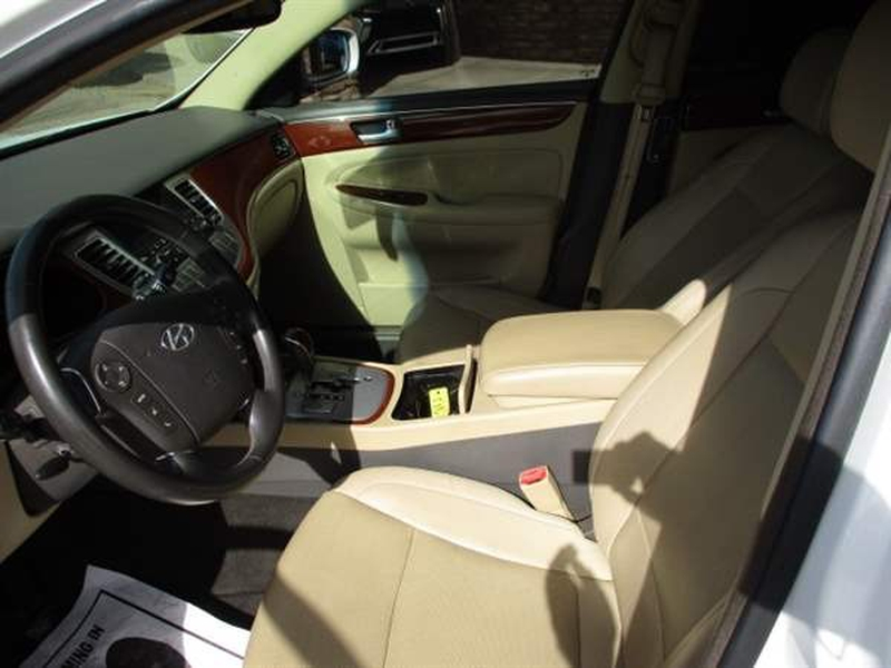 Hyundai GENESIS 2012 price $1,700 Down