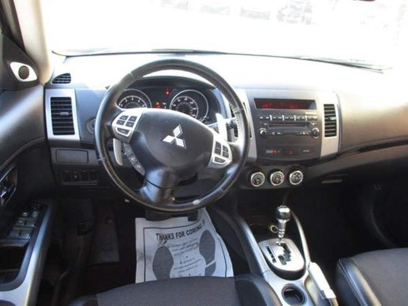 Mitsubishi Outlander 2013 price $1,100 Down