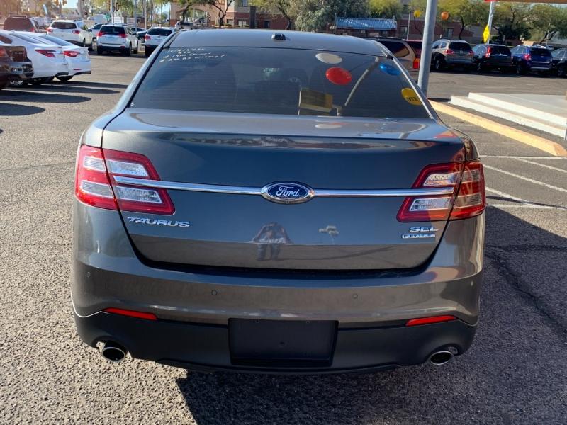 Ford Taurus 2015 price $1,400 Down