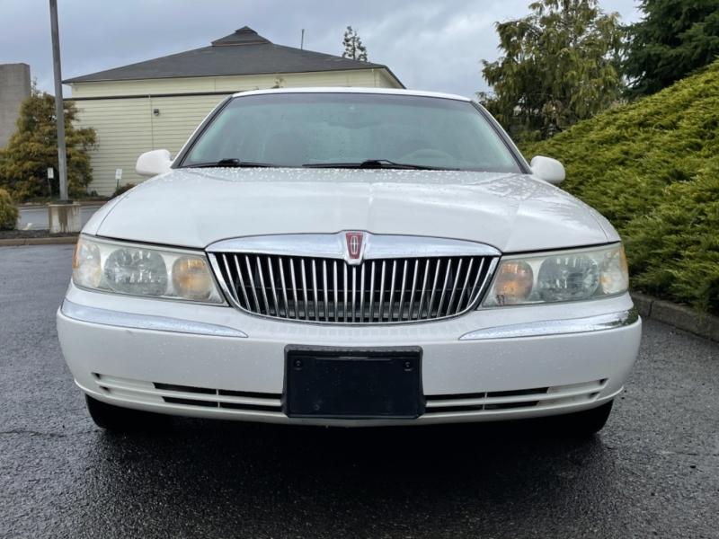 Lincoln Continental 2002 price $3,495