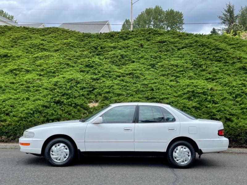 Toyota Camry 1993 price $3,495