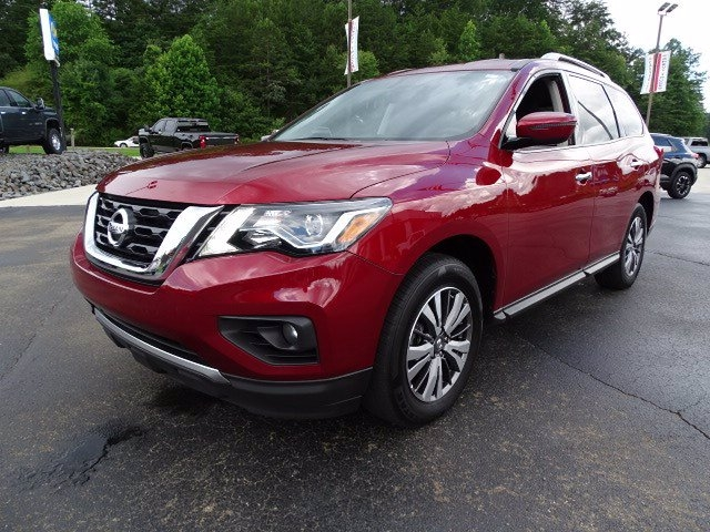Nissan Pathfinder 2018 price $20,588