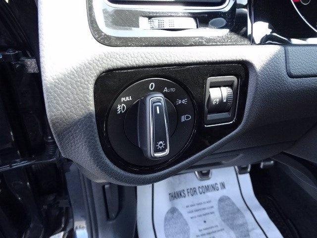 Volkswagen Golf GTI 2018 price $22,990