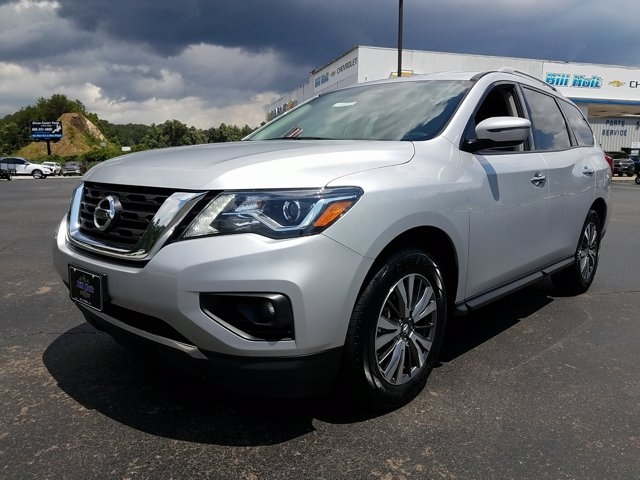Nissan Pathfinder 2018 price $21,988