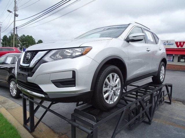 Nissan Rogue 2018 price $19,990