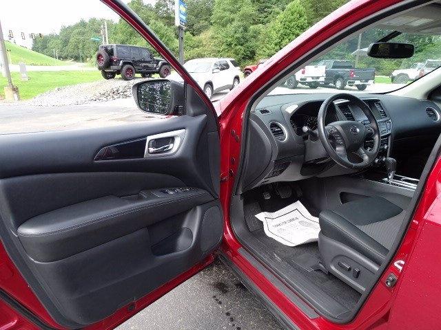 Nissan Pathfinder 2018 price $21,529