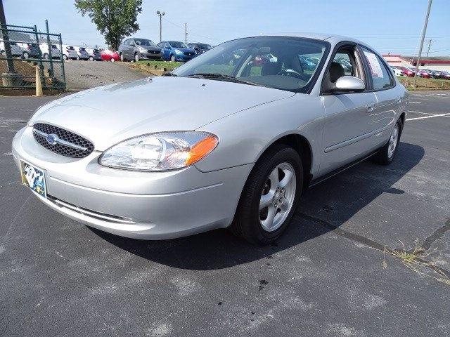 Ford Taurus 2003 price $7,990