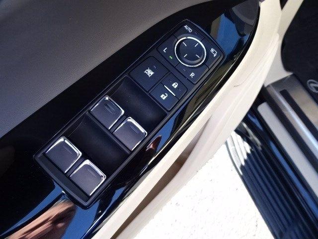 Lexus LX 2018 price $66,990