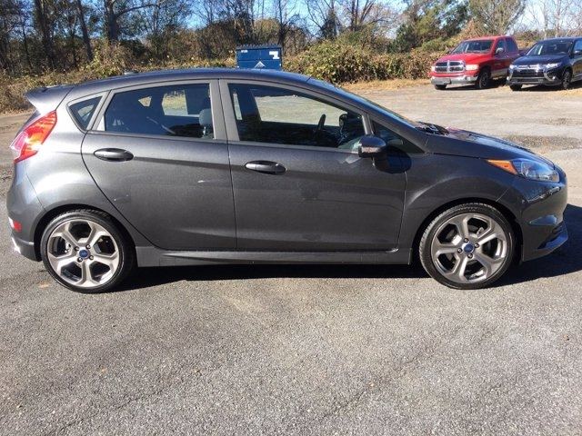 Ford Fiesta 2019 price $18,550