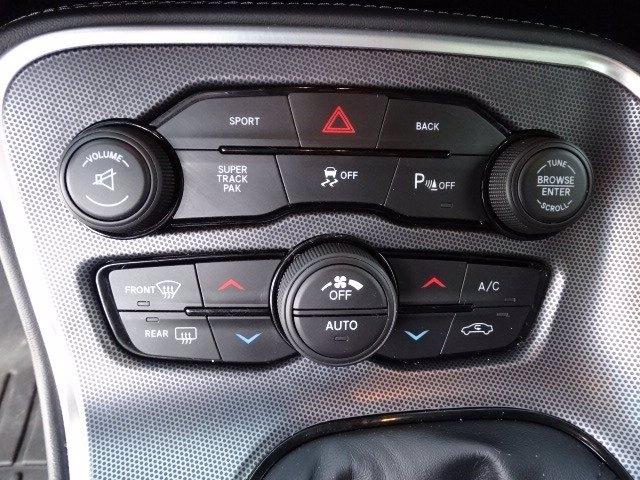 Dodge Challenger 2015 price $32,998