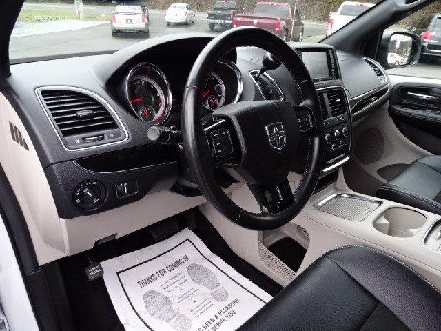 Dodge Grand Caravan 2019 price $18,998