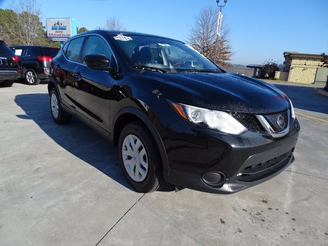 Nissan Rogue Sport 2019 price $17,990