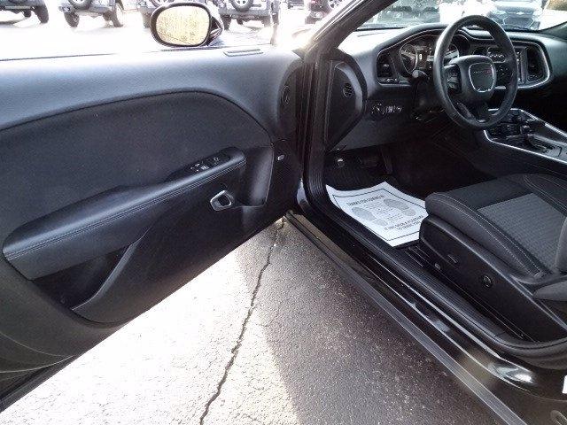 Dodge Challenger 2018 price $24,998