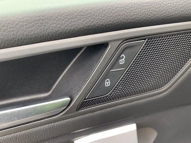 Volkswagen Tiguan 2020 price $22,998