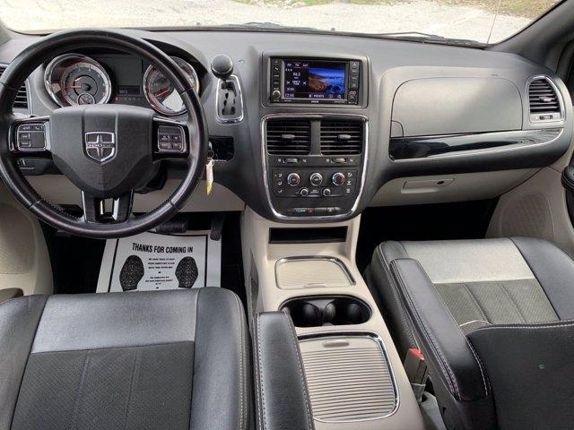 Dodge Grand Caravan 2019 price $19,575