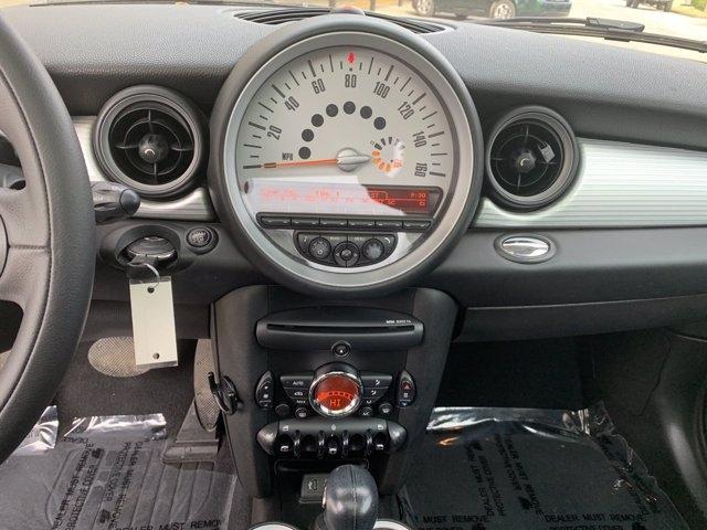 MINI Cooper Hardtop 2013 price $11,990