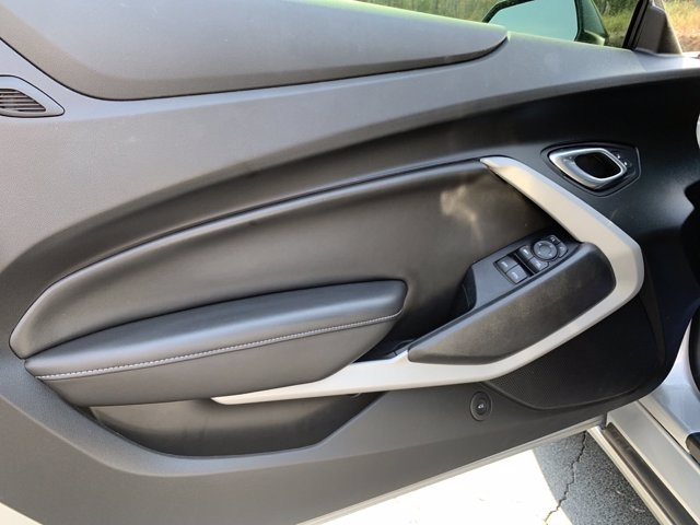 Chevrolet Camaro 2019 price $41,998