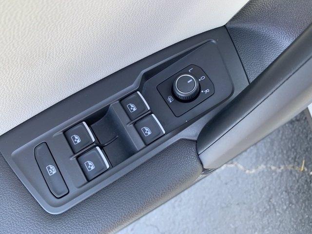 Volkswagen Tiguan 2019 price $28,732