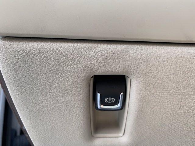 Cadillac Escalade ESV 2016 price $49,998