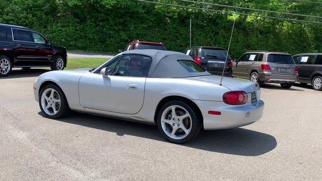 Mazda MX-5 Miata 2002 price $9,999