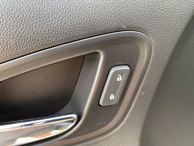 Chevrolet Colorado 2019 price $34,998