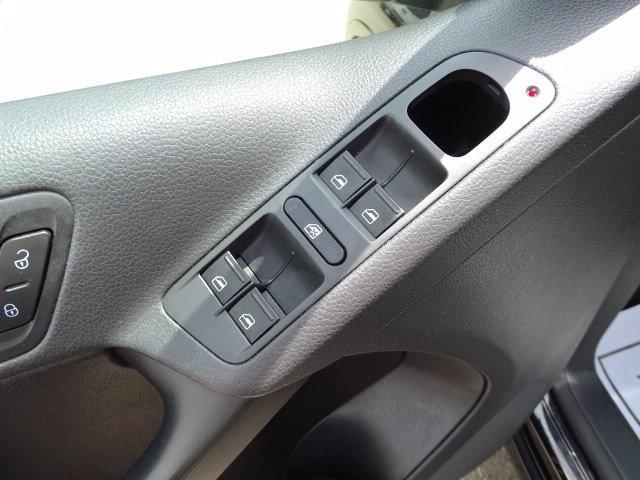 Volkswagen Tiguan 2016 price $17,498
