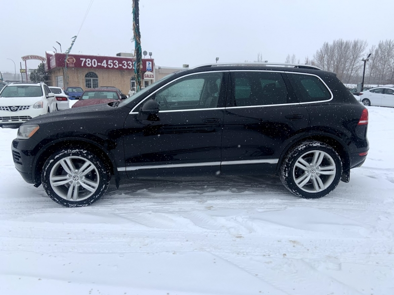 Volkswagen Touareg 2012 price $16,500