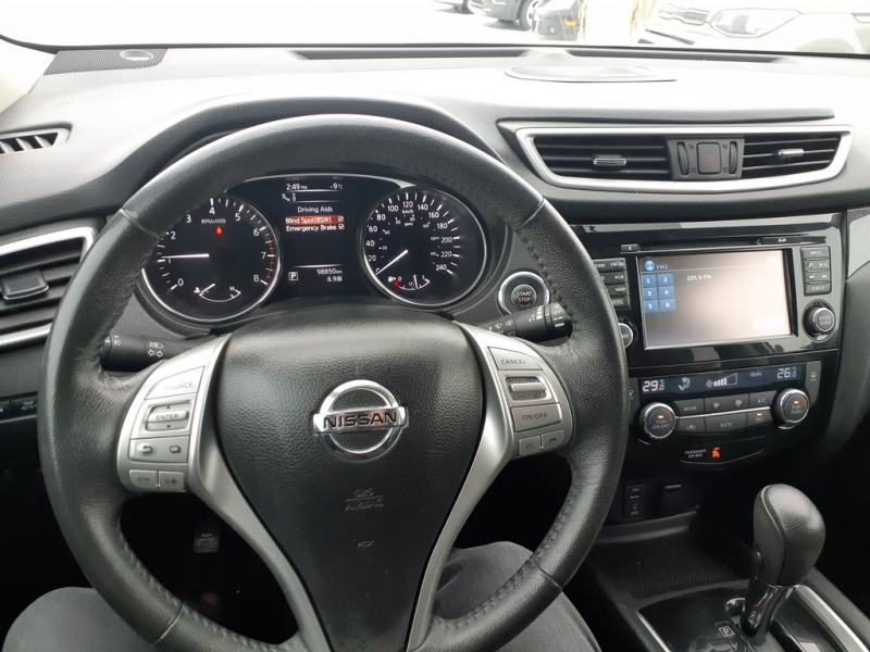 Nissan Rogue 2016 price $19,888