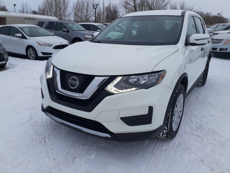 Nissan Rogue 2017 price $15,900