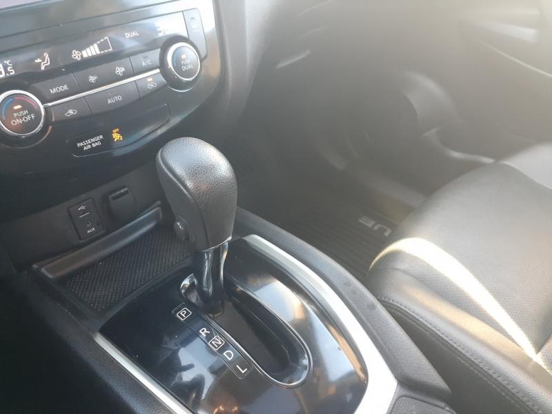 Nissan Rogue 2016 price $18,500