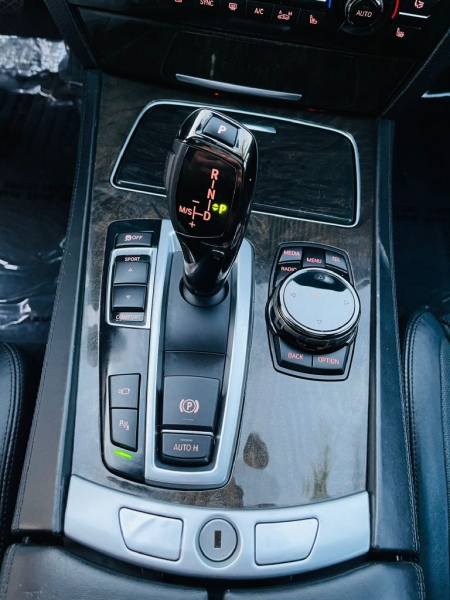 BMW 750 2015 price $34,995
