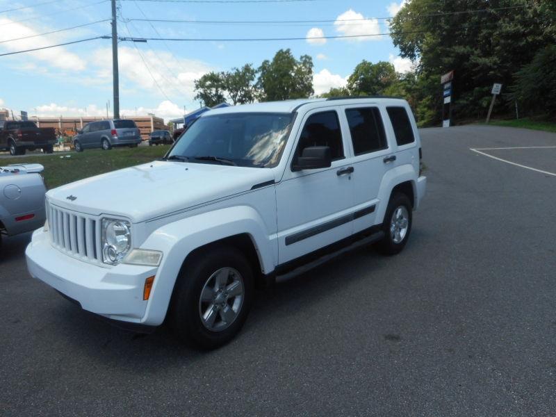 JEEP LIBERTY 2012 price $8,900
