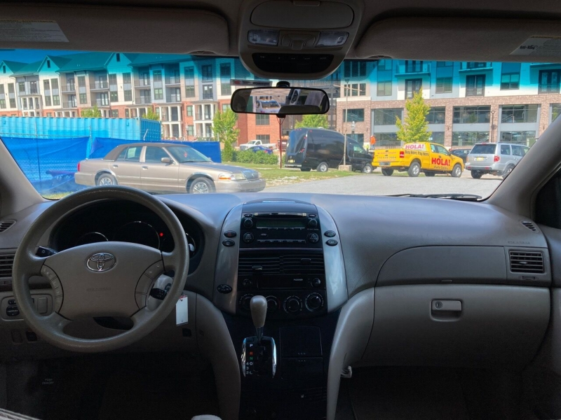 Toyota Sienna 2009 price Call for Pricing.