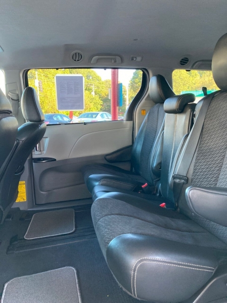 Toyota Sienna 2011 price Call for Pricing.