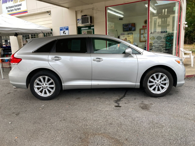Toyota Venza 2009 price Call for Pricing.