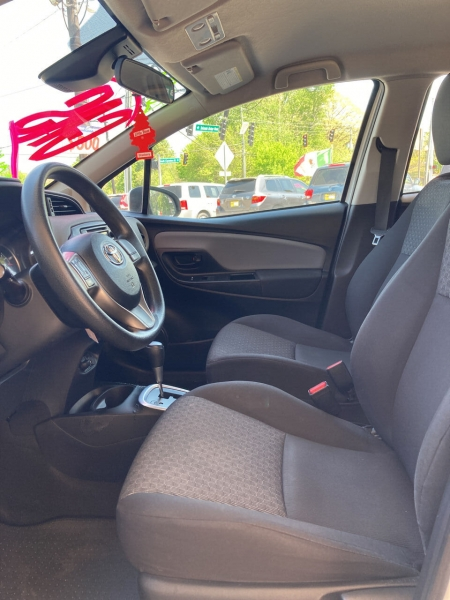 Toyota Yaris 2017 price Call for Pricing.