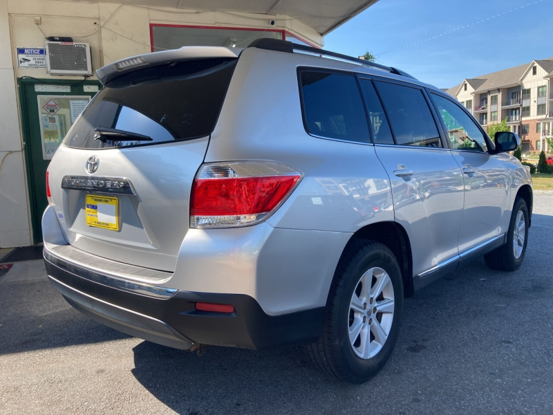 Toyota Highlander 2012 price Call for Pricing.