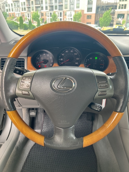 Lexus ES 330 2005 price Call for Pricing.