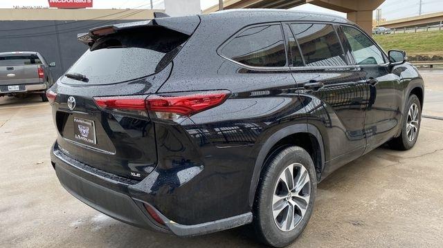 Toyota Highlander 2021 price $38,990