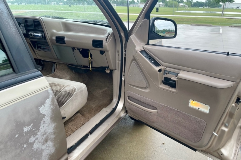 FORD EXPLORER 1992 price $1,000