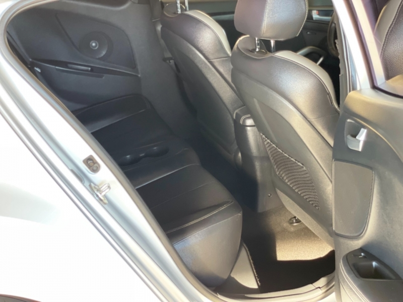 Hyundai Veloster 2016 price $15,998